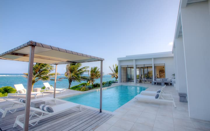 Stunning villa close to beach