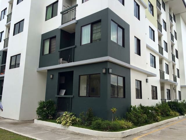 studio type condo nearby Enchanted Kingdom - Santa Rosa - Kondominium
