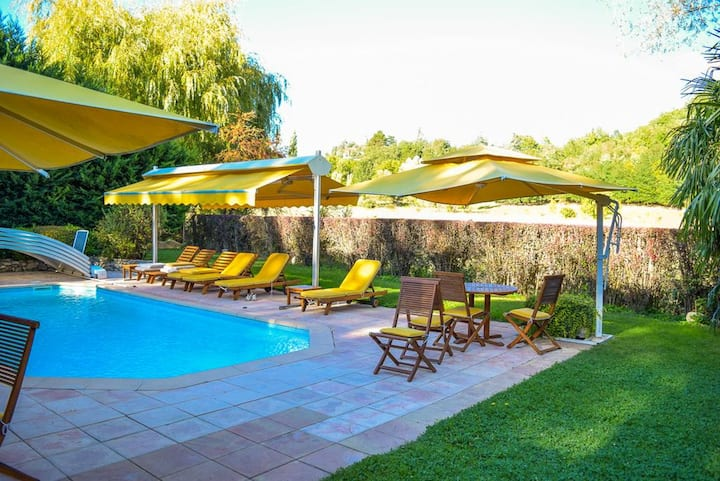 Apartment with 2 bedrooms in Forcalquier, with shared pool, enclosed garden and WiFi