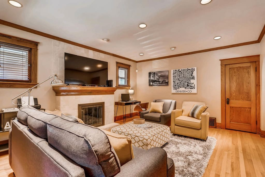 Enjoy family time and lounge in our modern and comfy living room with seating for 5 plus desk!