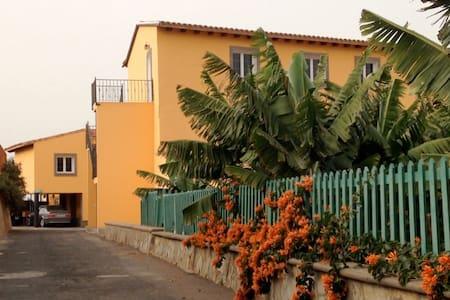 Casona Los Parrales( Hab.3) - Arucas - Villa