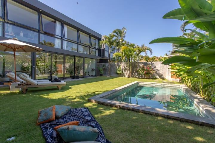 Brand new modern Villa Mola 2, Bingin