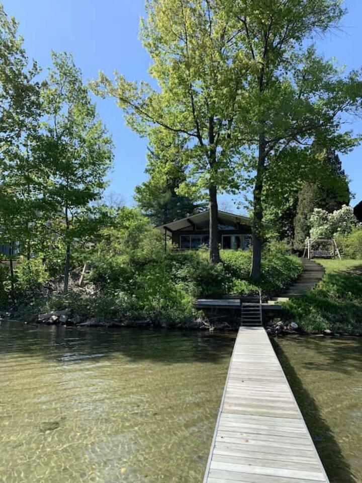 Beautiful Gem on Little Glen Lake