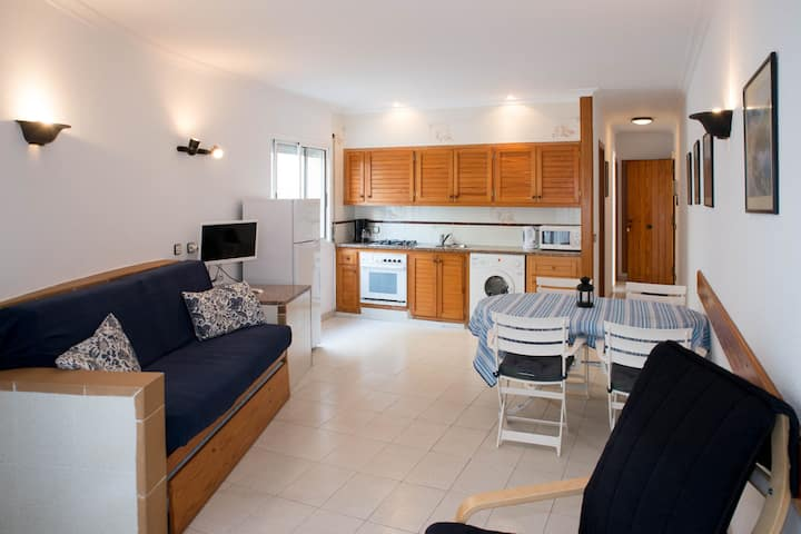 SECOND LINE APARTMENT IN PLATJA D'ARO
