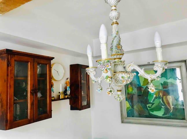 Como Lake Dima vintage home Wife & Parking free