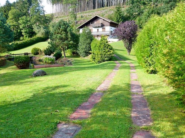 MAGNIFIQUE CHALET etson étang privé - Grandrupt - House