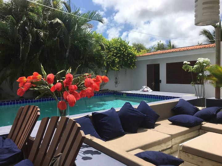 Beautiful tropical Cityhouse with private pool