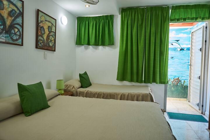 Casa Particular Roberto & Martha Room 3 (Varadero)