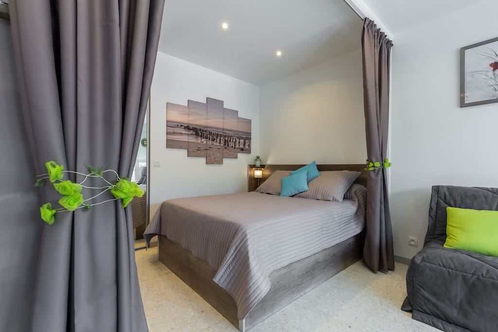 grand f1 menton sur la riviera fran aise 2 appartements louer menton provence alpes. Black Bedroom Furniture Sets. Home Design Ideas