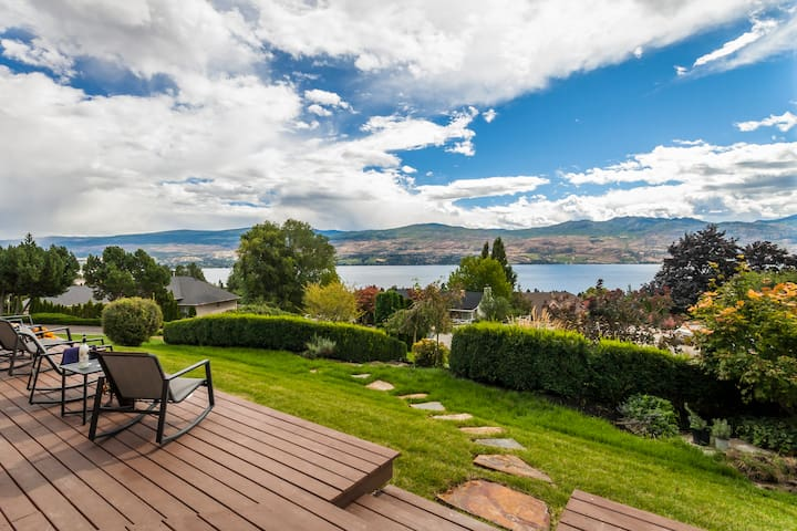 Private 2 bedroom view suite over looking the lake - West Kelowna - Appartement