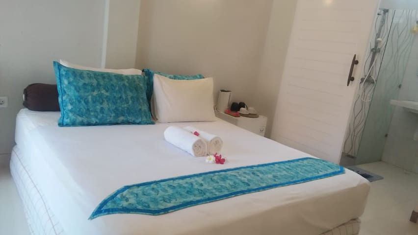 1 Double bed - Private Room