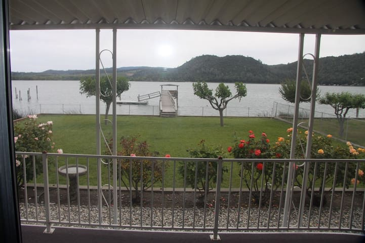 Perfect lake front private vacation home. - Clearlake - Hus
