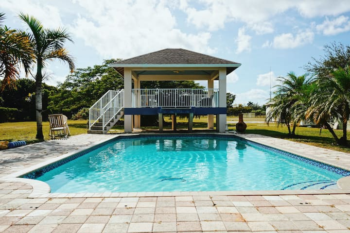 Large house with 2 acres backyard & private pool!