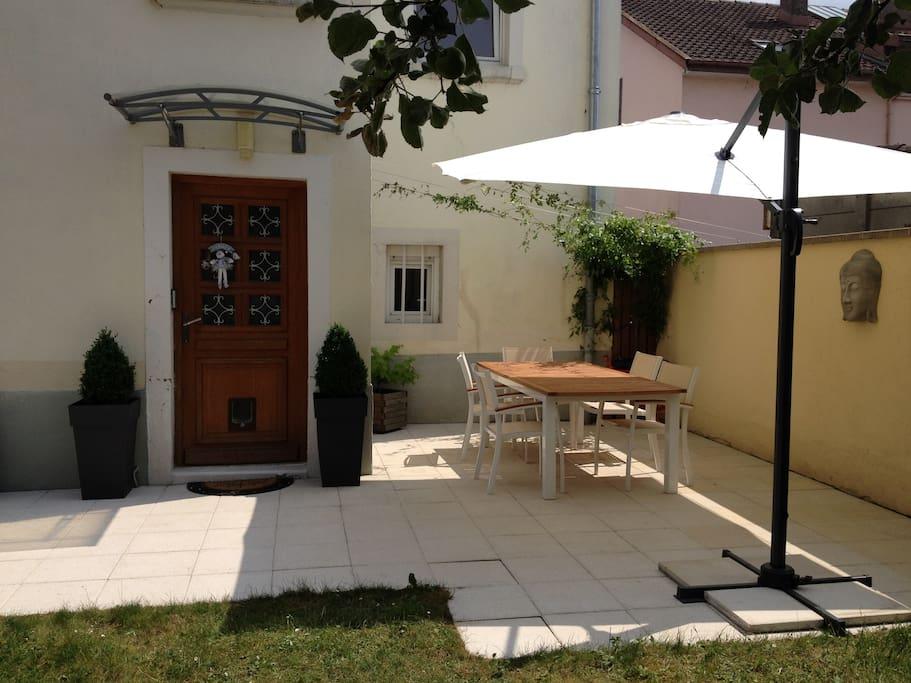Maison loft avec jardin terrasse et garage maisons de ville louer valentigney bourgogne - Maison a louer avec jardin wasquehal dijon ...