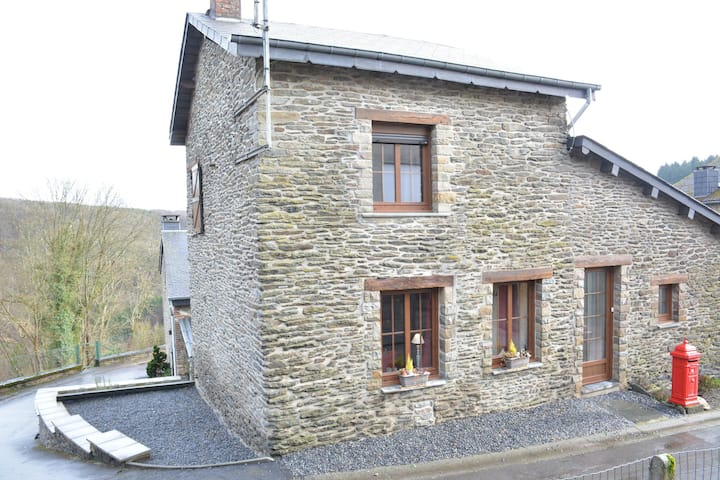 Small typical Ardennes house, comfortable, in quiet hamlet