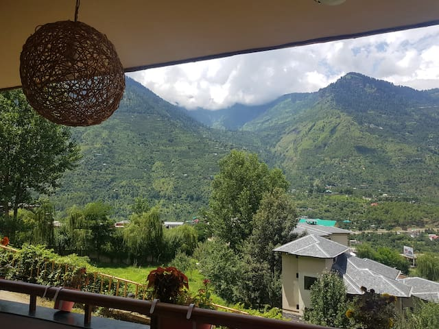 Luxury Mountain View Apartment, Kais, Kullu