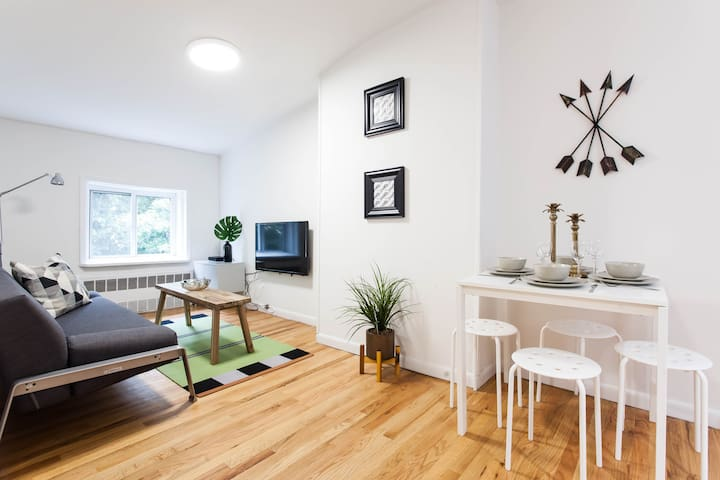 Large Renovated Two Bed Apt in Brooklyn Heights!!!