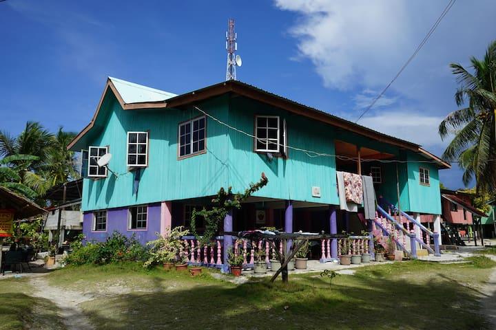 Muslinah Homestay R4