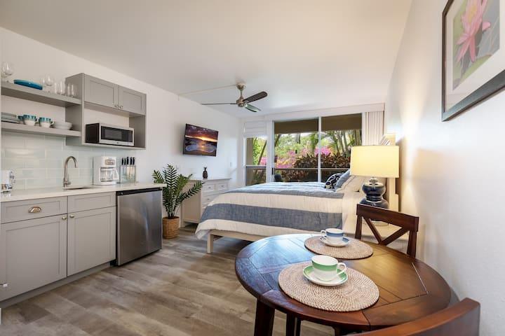 Maui Gorgeous Remodeled Studio - Steps to Beach