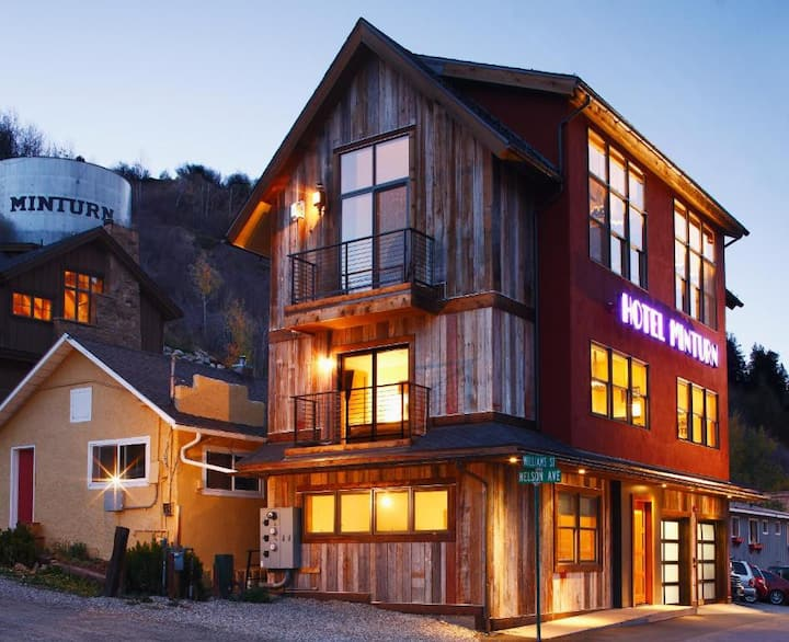 Hotel Minturn - Deluxe - Room 2, no cleaning fee!