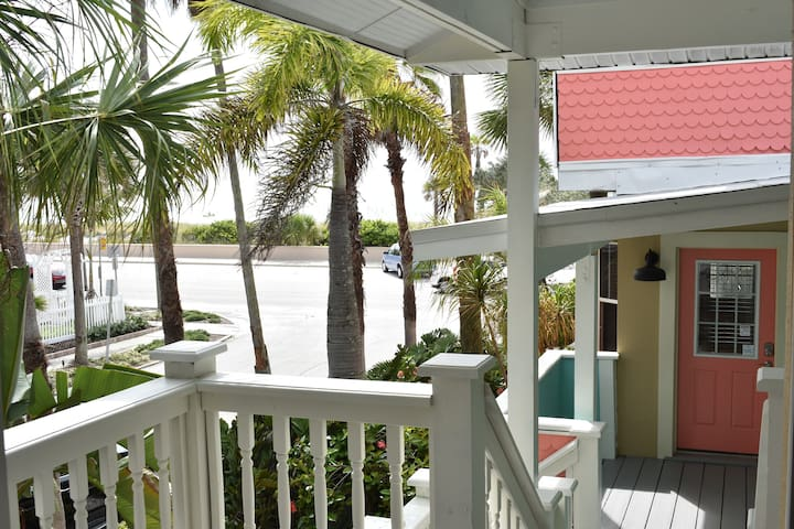 Charming Private Annex w/ Queen Bed + Beach View