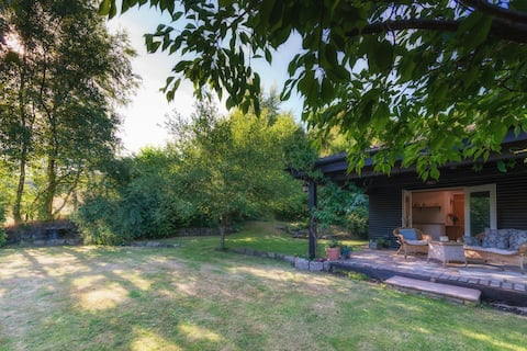 Great House Cottage - isolated rural retreat