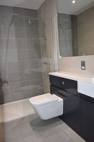 Shortletting by Centro Apartments - Milburn House MK - No. 5