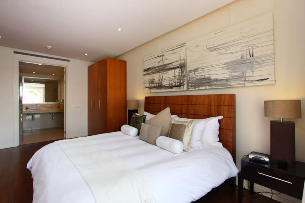 Master Bedroom/En-suite