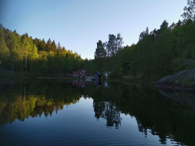 Overnatt på vannet i 2.kjempehytta til Farmen 2017