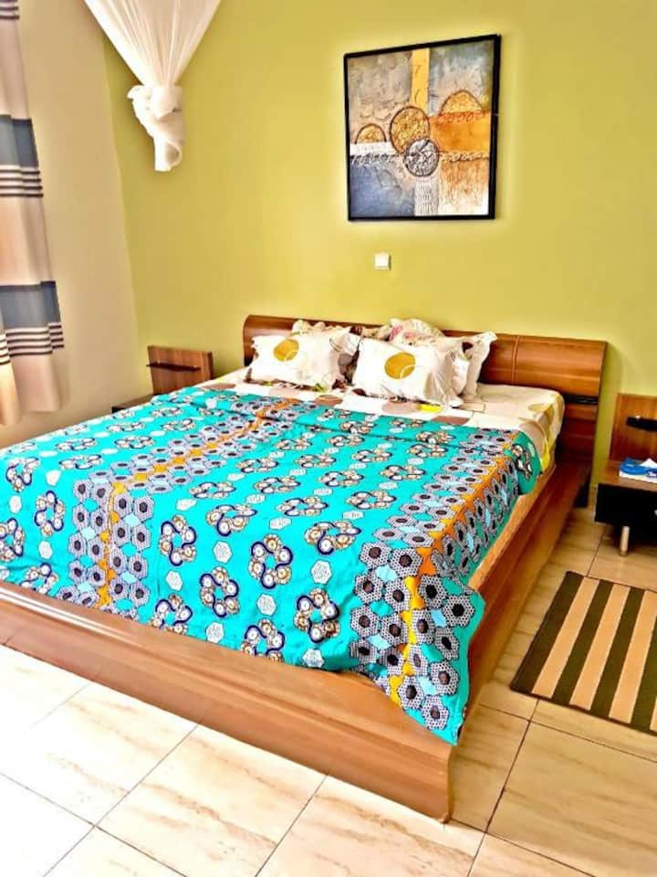 Deluxe Suite with Jacuzzi.  B&B @ Yambi Guesthouse