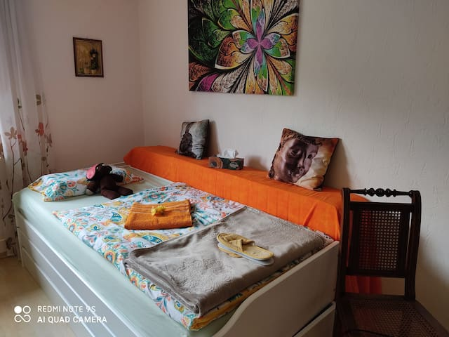 Komfortables  Zimmer bei  netten Gastgeber...