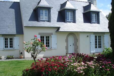 Charmante  maison à la campagne 2 chambres à louer - Lanhouarneau