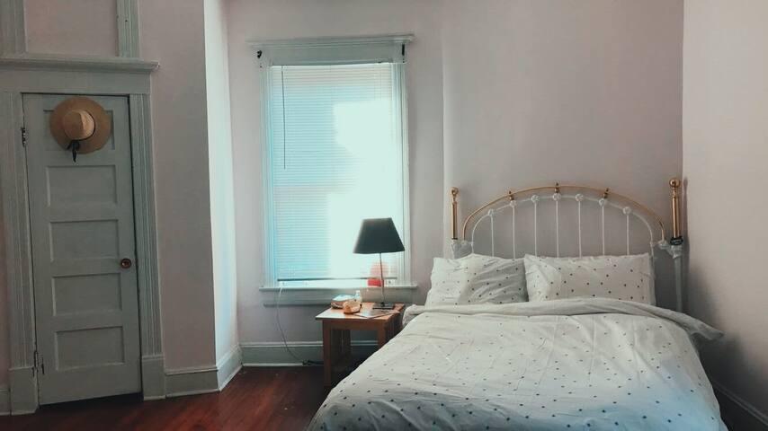 Bright 1 bedroom in Historic Grant Park