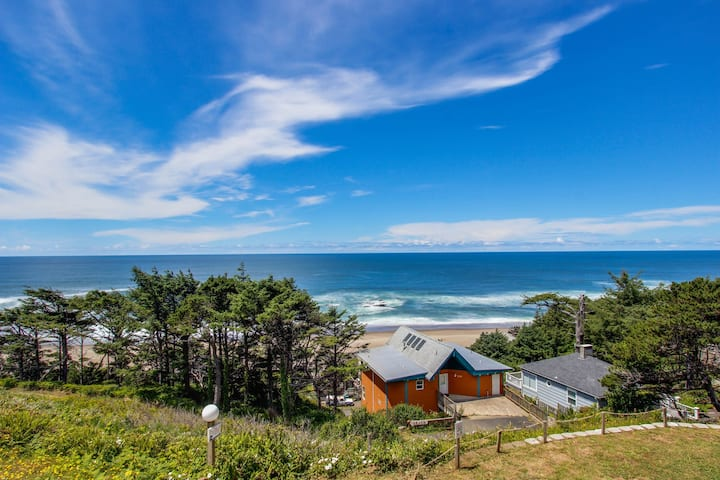 Enormous, renovated, dog-friendly home w/ ocean views & easy beach access!