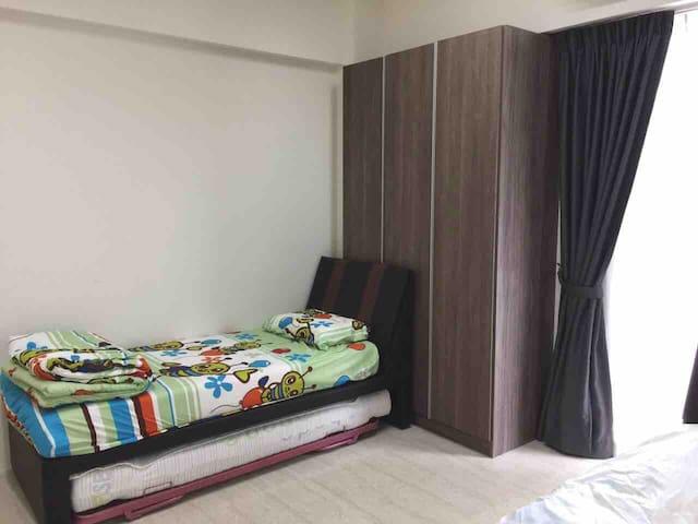 Single bed 2 sets.
