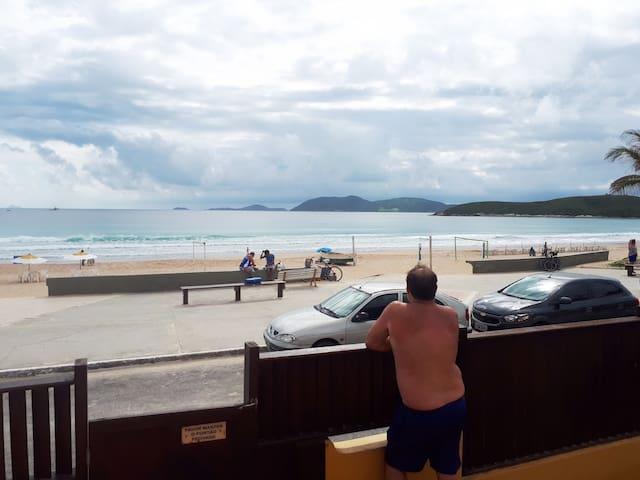 Apto Pé na Areia em Cabo Frio - Peró