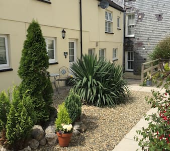 Priory Cottage near Pembroke Castle