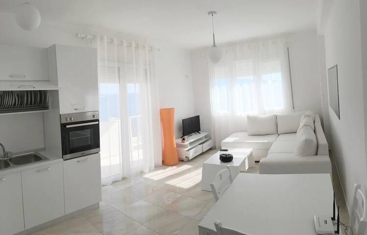 White Residence Apartament sea view