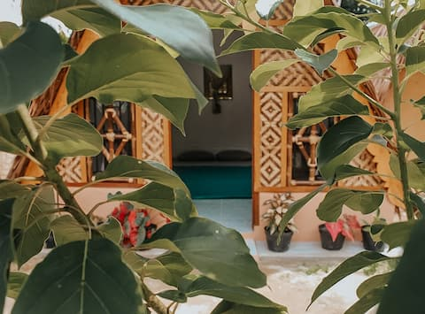 Authentic Eco Stay * Wooden Huts * Bukit Lawang