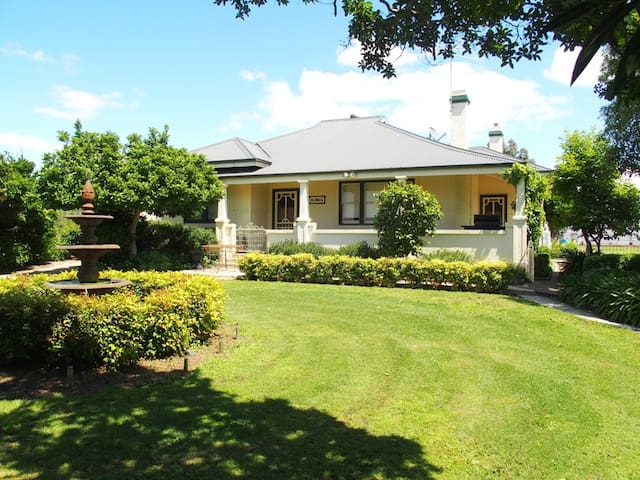 OLINDA GROVE - Wangaratta South - Rumah