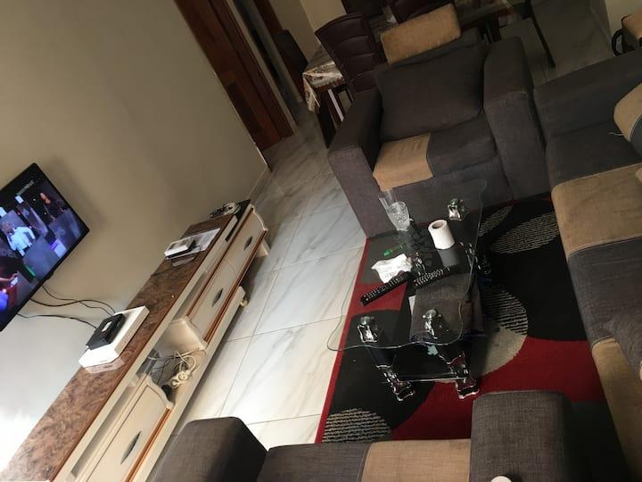 Appartement entier 2 chambres salon: CHEZ BIAGUI