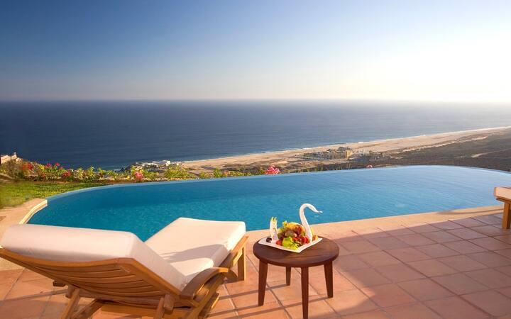 3BR Luxury Villa w/ Ocean Views + Infinity Pool