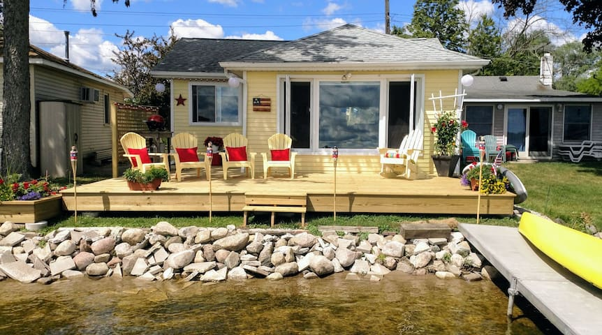 Updated lakefront cottage