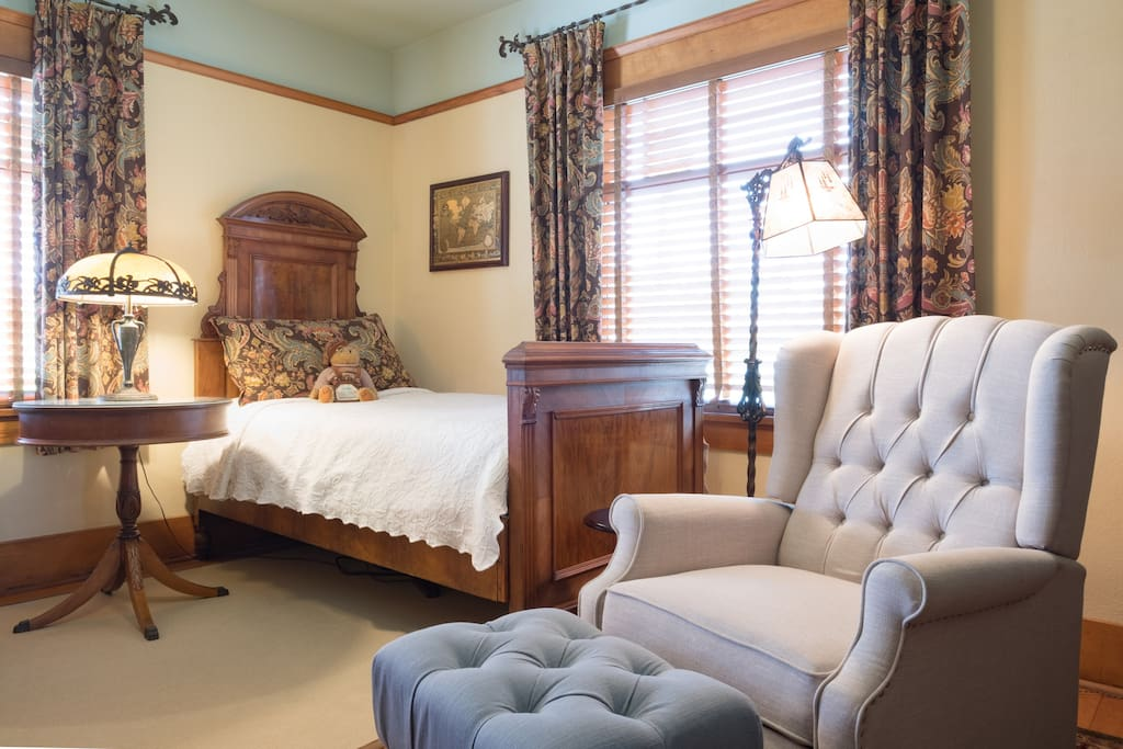 Antique single bed is very comfortable