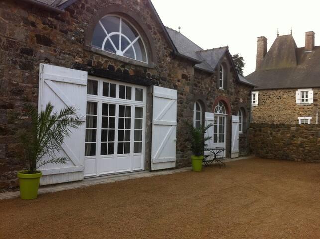 Maison de famille à la campagne proche de la mer