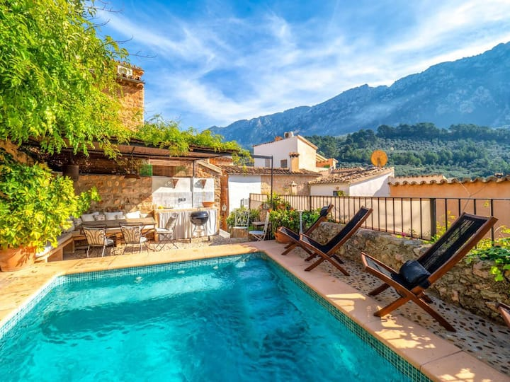 Gran Townhouse Fornalutx at Illes Balears