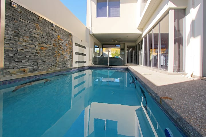 Ambar Villa Between City and Freo