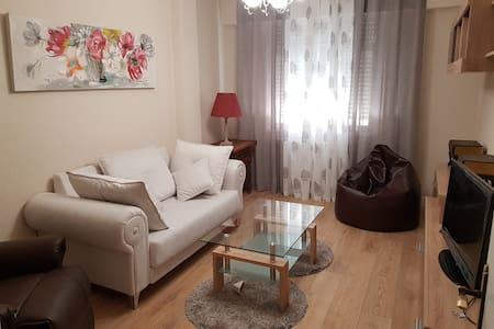 Estupendo piso en el barrio del Pilar, C/ Panama