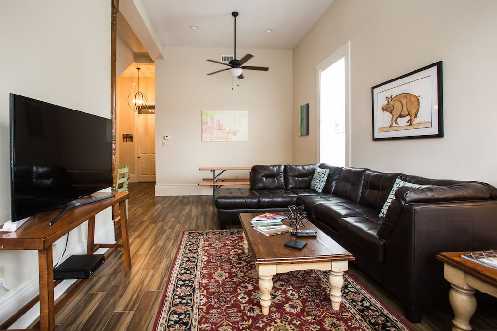 Spacious Great Room - Living Room