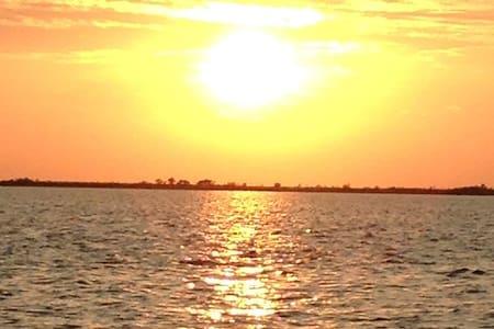 Sun Living - Explore Long Island, Best Location!